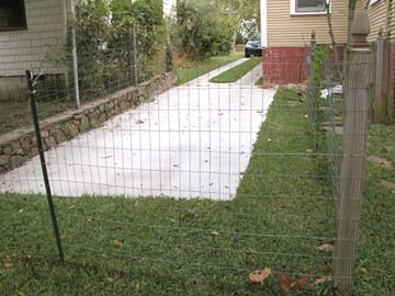 Making dog fences from chicken wires the barkers pet resort - Build wire fence foundation ...